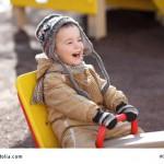 Die richtige Kleidung für Babys und Kleinkinder finden